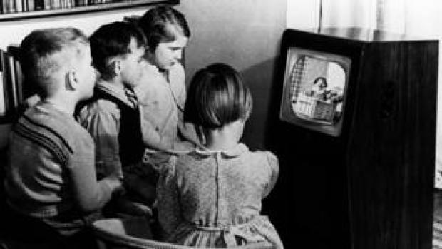 Children watch Andy Pandy in 1950