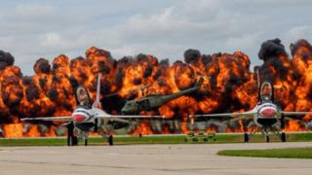 Pyrotechnics simulation at an airshow