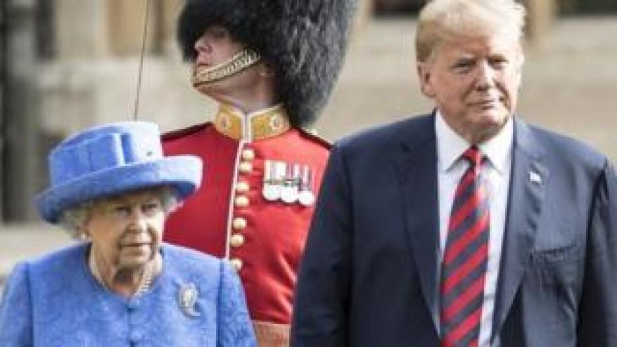 Королева и Дональд Трамп во время своего последнего визита в Великобританию