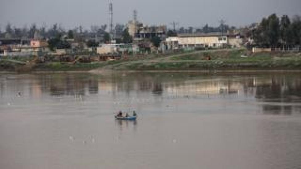 Des pêcheurs sur le fleuve Tigre à Mossoul. (Illustration)