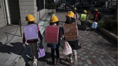 Coronavirus: Japan to close all schools to halt spread - BBC News