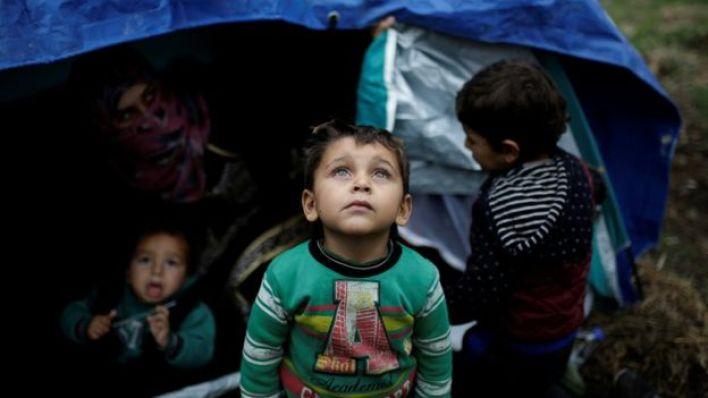 طفل في مخيم موريا في ليسبوس