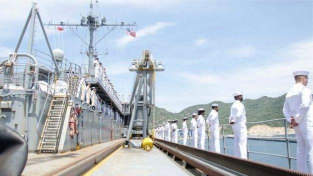 Tàu chiến Mỹ thăm vịnh Cam Ranh hồi tháng 10/2016