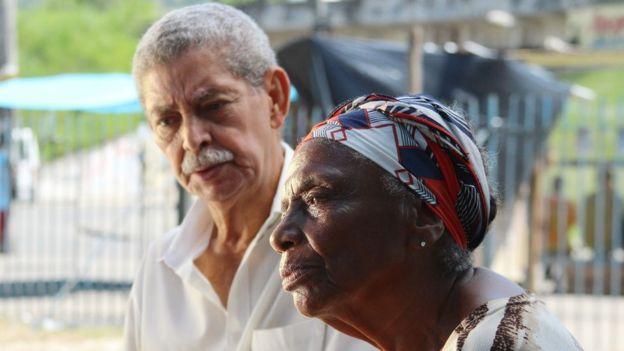 Maria das Dores e Assis Braga, moradores da Vila Kennedy