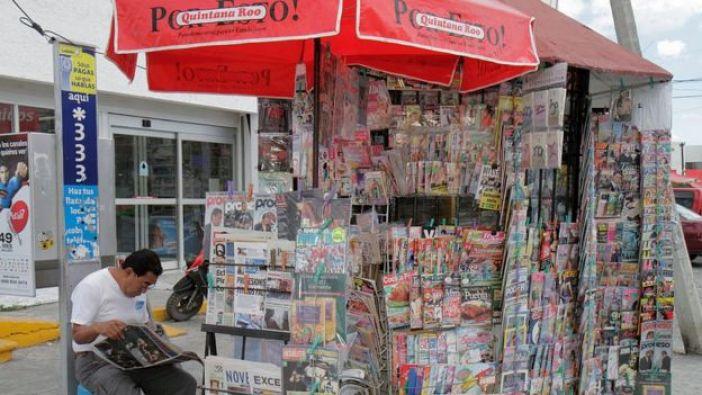 Un puesto de venta de revistas y periódicos en México