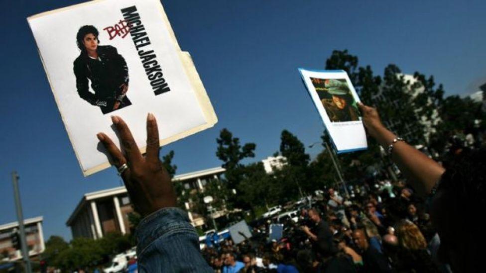 Michael Jackson fans outside UCLA Medical Plaza on 25 June 2009