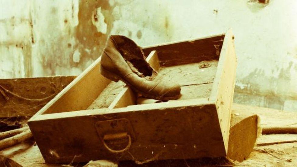 Cajón viejo y vacío