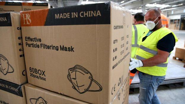 Des masques de fabrication chinoise arrivent en France