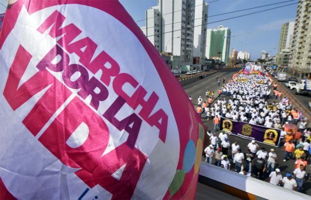 """""""Marcha por la vida"""" en Lima, Perú, en 2014."""