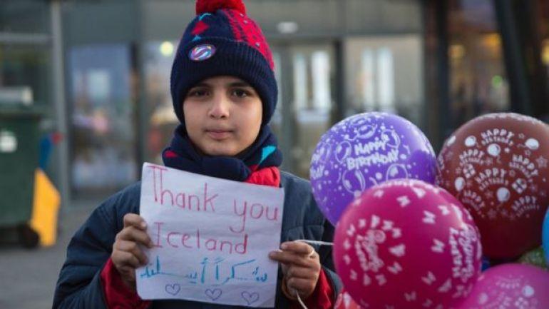 Niño sirio refugiado en Islandia