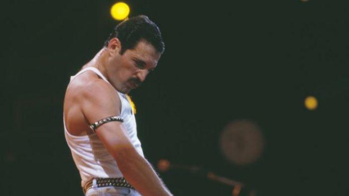 Freddie Mercury en Winbley, 1985.