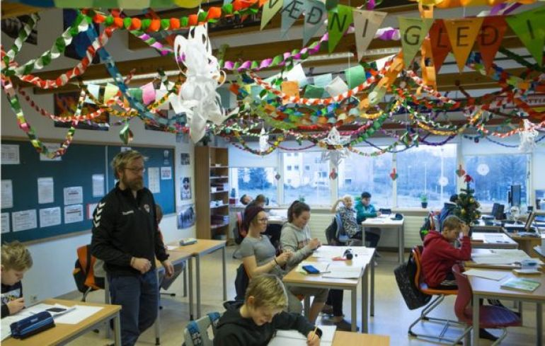 Clases en escuela de Islandia