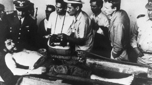 Imagen del cuerpo del Che en Bolivia.