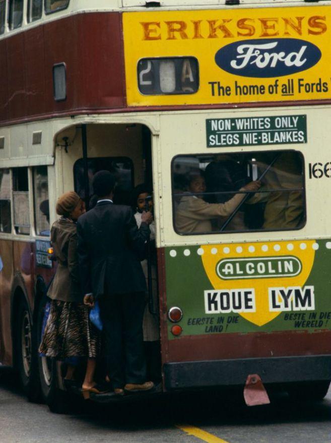 La ségrégation affectait aussi les transports