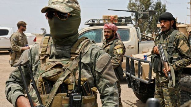 قوات التحالف بقيادة الولايات المتحدة تدعم هجمات قوات سوريا الديمقراطية