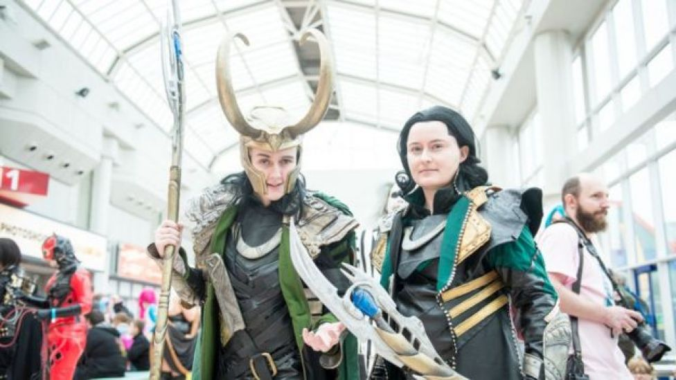 Mujeres en un Comic Con