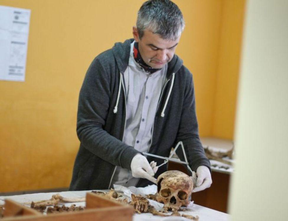 Esqueleto hallado en El Castillo de Huarmey