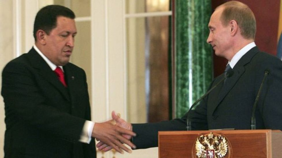 Hugo Chávez (izquierda) y Vladimir Putin.