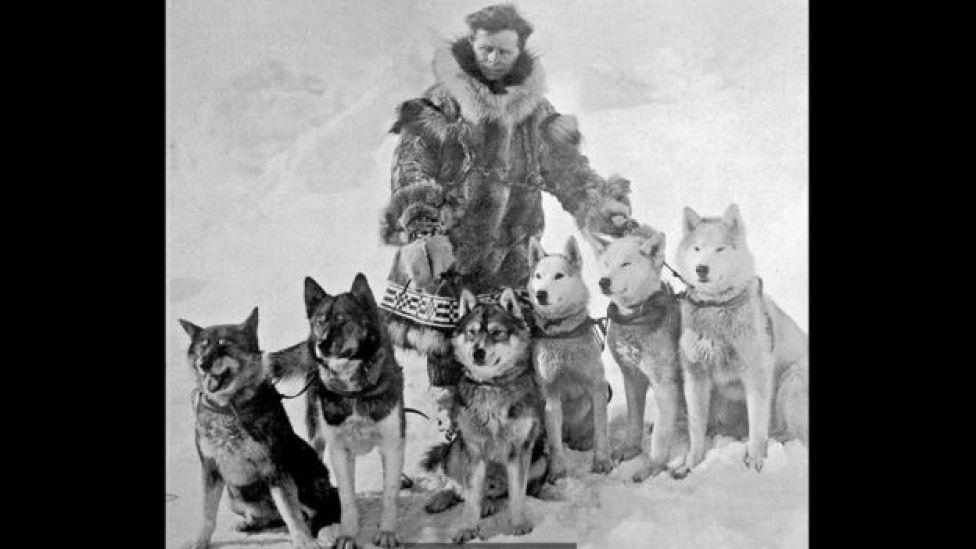 Leonhard Seppala e seu time de cães puxadores de trenó