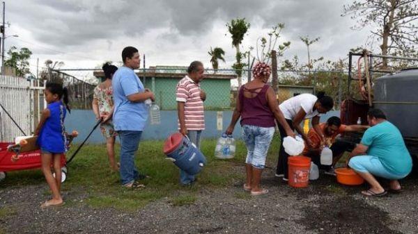 Pobladores en San Juan reciben agua