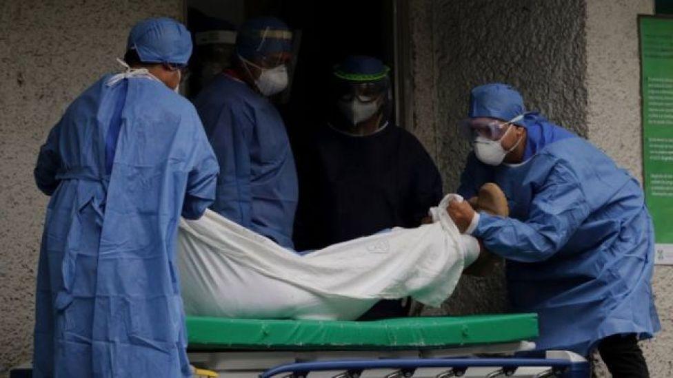 Medicos en hospital mexicano
