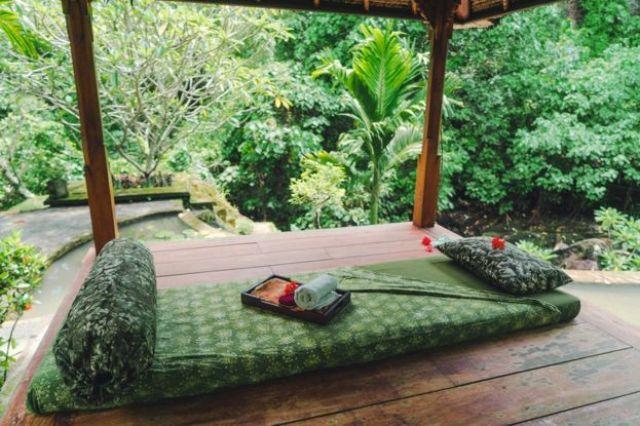 Cama para masajes.