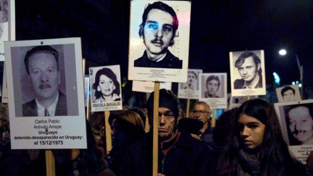 Manifestación por los desaparecidos en la dictadura de Uruguay