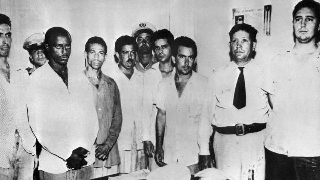 Fidel Castro (extremo derecho) tras el asalto de Moncada. Julio 1953