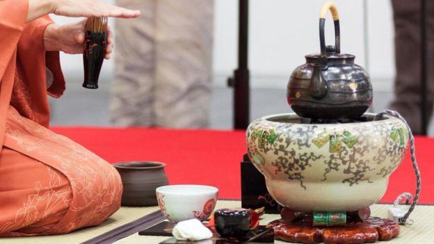 عمل الشاي على الطريقة اليابانية