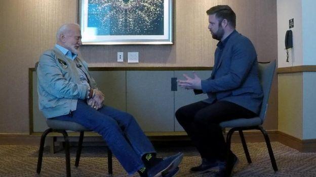 Buzz Aldrin con Dave Lee de la BBC