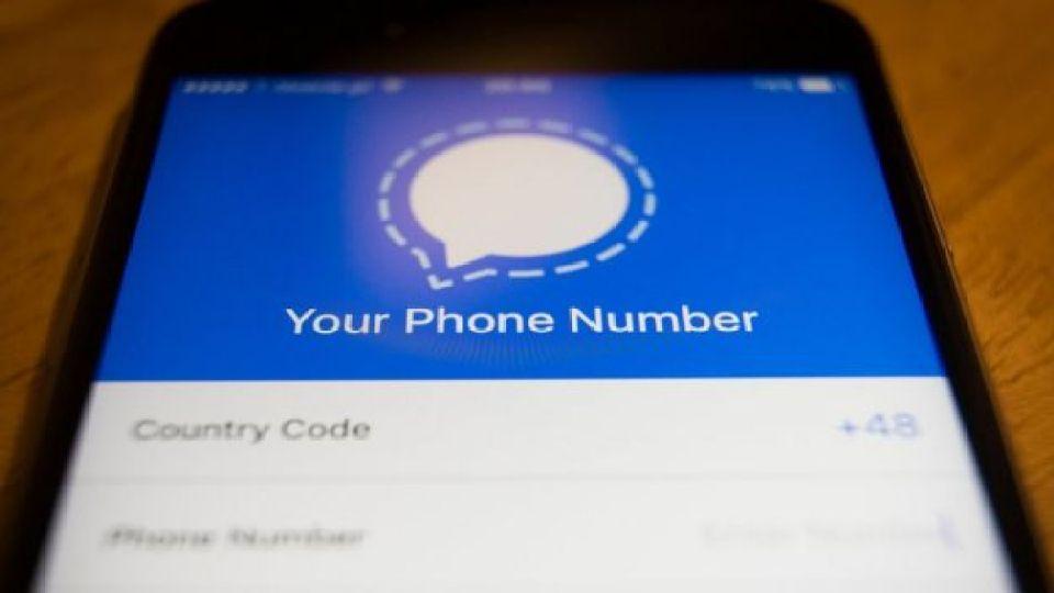 Para darse de alta basta con tener un número de teléfono (y no requiere nombre de usuario).