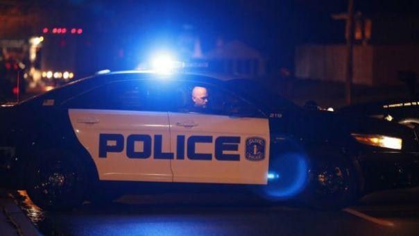 Coche de policía en Des Moines, Iowa, EE.UU.