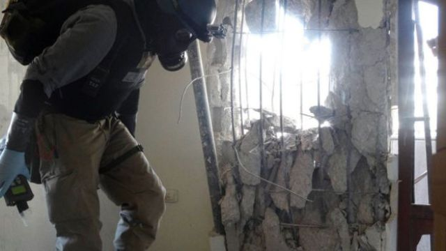 UN chemical weapons inspector at the scene of a Sarin nerve agent attack in the Ghouta region outside Damascus on 29 August 2013