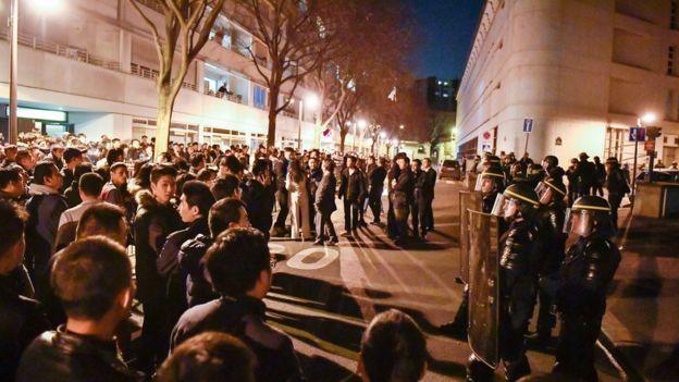 Protestors in Paris