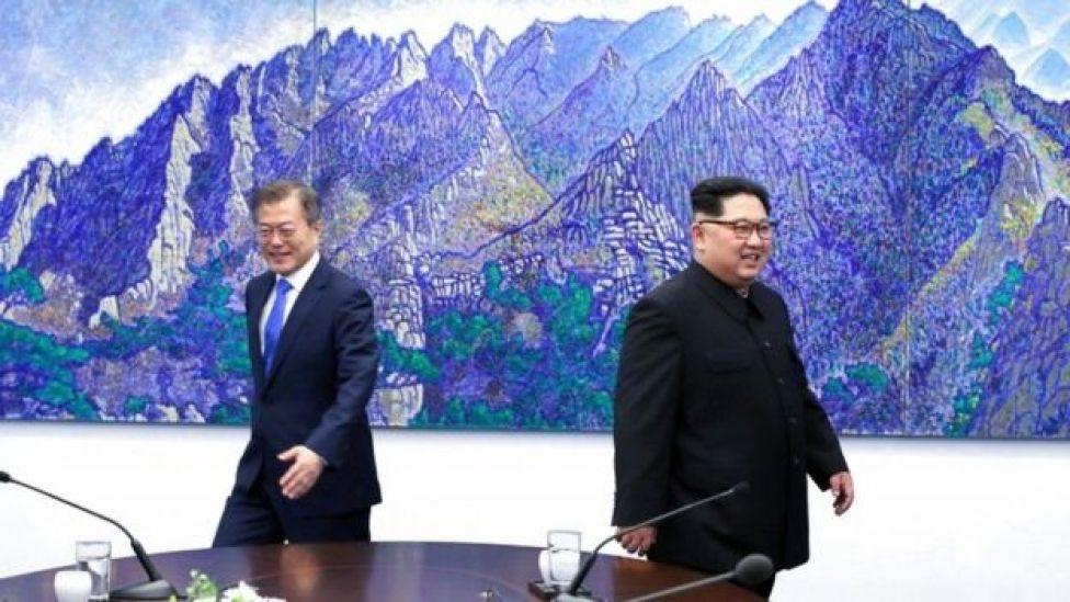 Kim Jong-un alikutana kwa mara ya kwanza na Moon Jae-in katika mkutano ulio wa tatu kwa viongozi wa Korea zote kuwahi kukutana.
