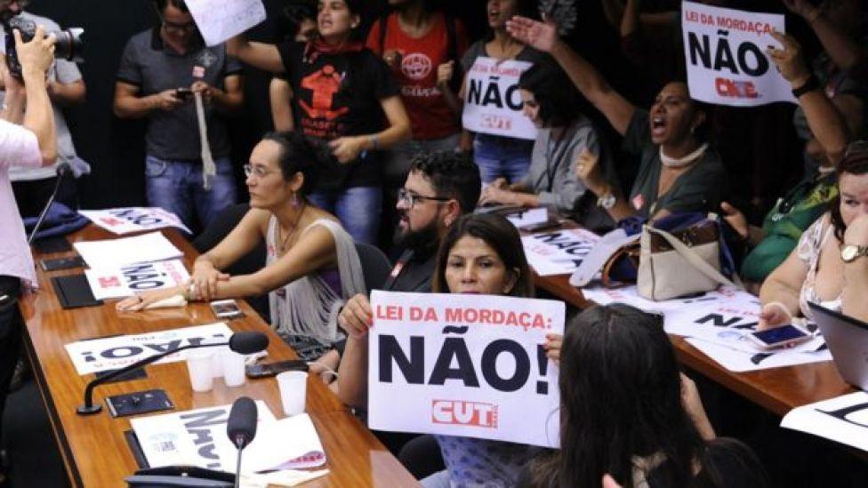 Discussão sobre projeto de lei em comissão especial da Escola Sem Partido
