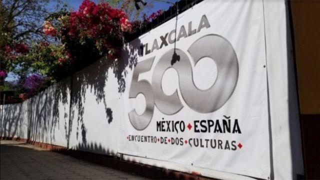 Un afiche de los 500 años de la unión México-España