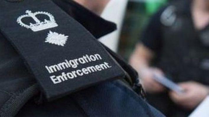 تتضارب التقديرات بشأن عدد اللاجئين غير الشرعيين في بريطانيا، لكنها تتراوح بين 300 ألف ومليون ونصف مليون لاجيء