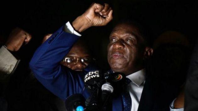 Emmerson Mnangagwa waxaa weli ku xeeran xubnihii ZANU-PF