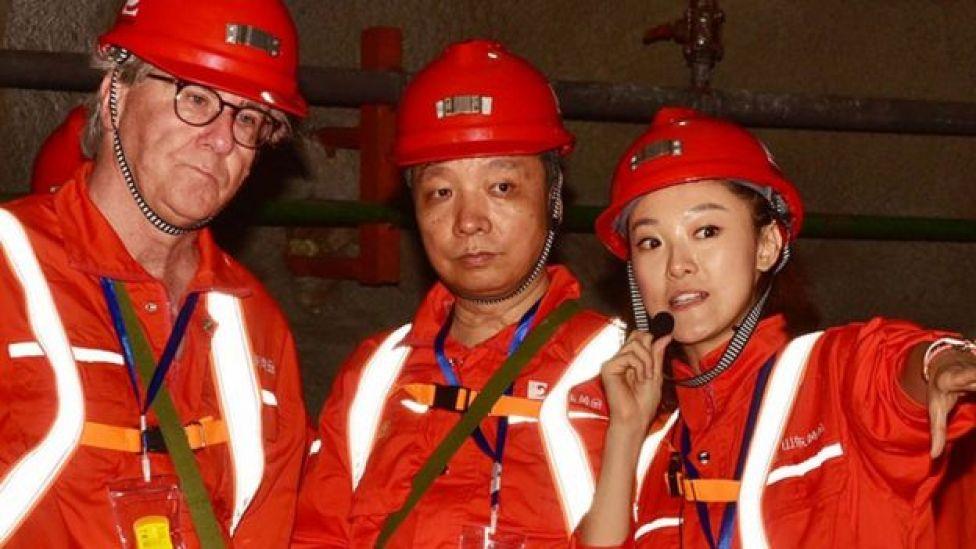 Ejecutivos de Barrick Gold y de Shandong Gold.