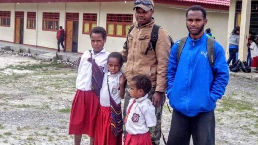 Ones ingin membangun sekolah di kampungnya.