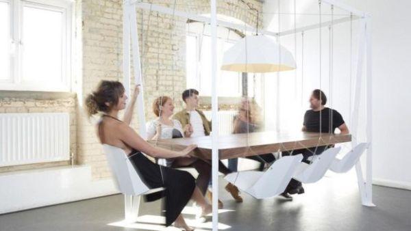 الطاولة المتأرجحة التي صممتها شركة