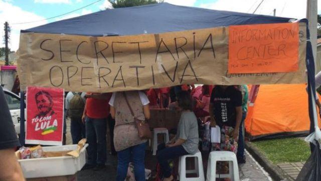 Barraca de manifestantes pró-Lula