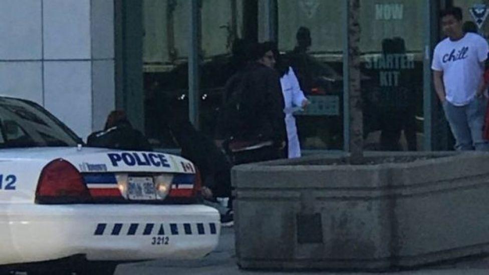 Polisi mjini Toronto wakichunguza tukio la kuuawa kwa watu na Lori