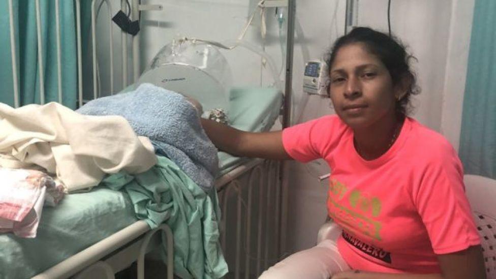 María con su hijo en Cúcuta