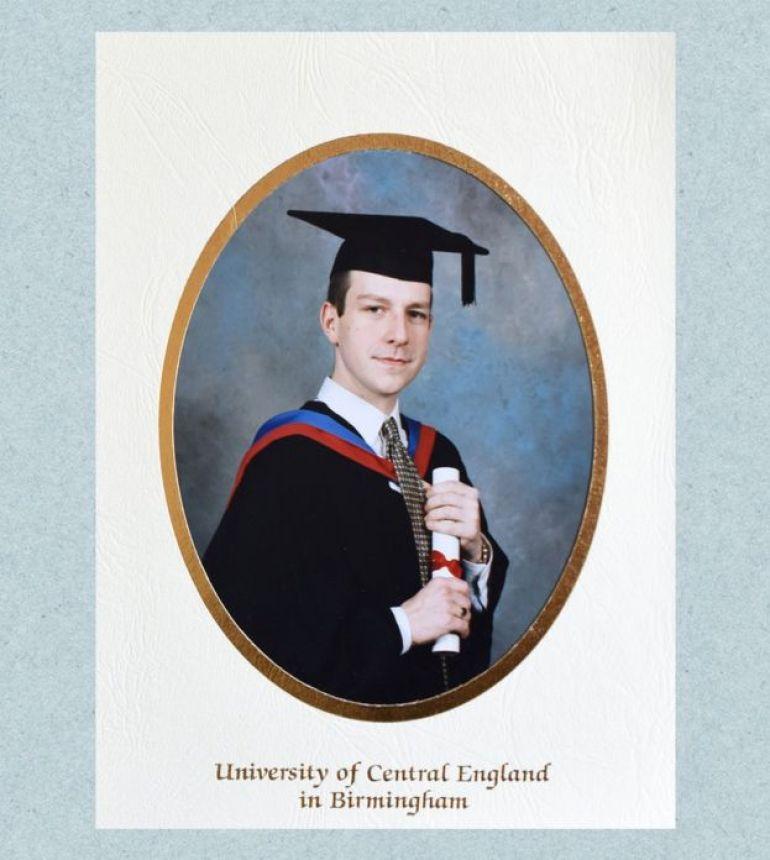 Foto de graduación de Matt.