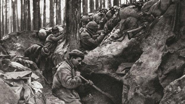 Trincheras y soldados durante la Primera Guerra Mundial.