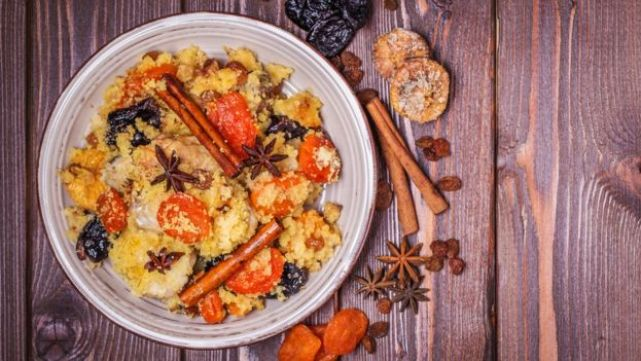 Prato de comida marroquina