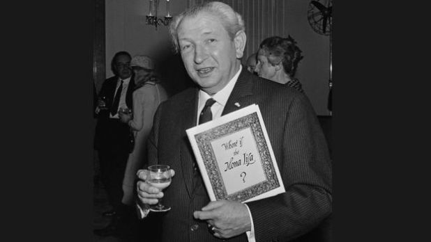 Art collector Henry F. Pulitzer, with a pre-publication copy of his book 'Where Is The Mona Lisa?' at Claridges hotel, London, 1967