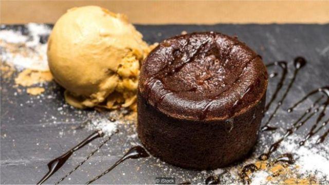 Brownie com bola de sorvete